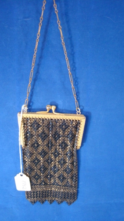 UM Mandalian Black & Gold Enamel Mesh Purse