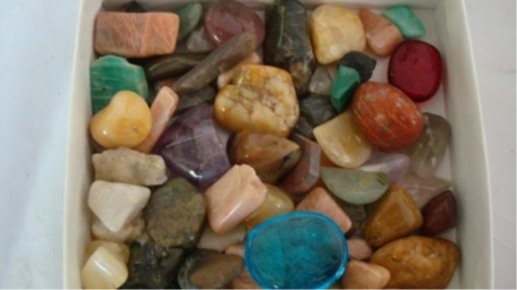 Rock lot #6 - Mostly Cut and Tumbled for Jewelry