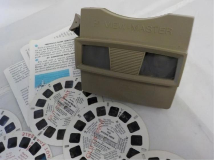 1960's GAF View Master with ~25 Slides of Places
