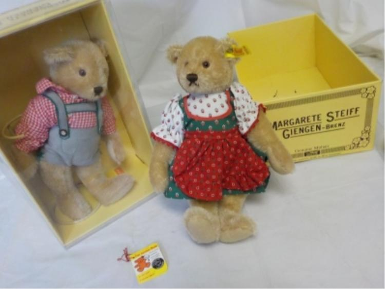 2 Margarete Steiff Bears in Box never played with