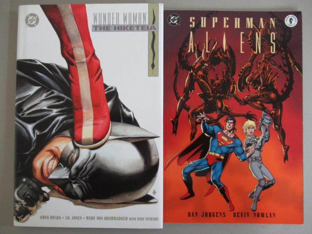Wonder Woman & Aliens Graphic Novels
