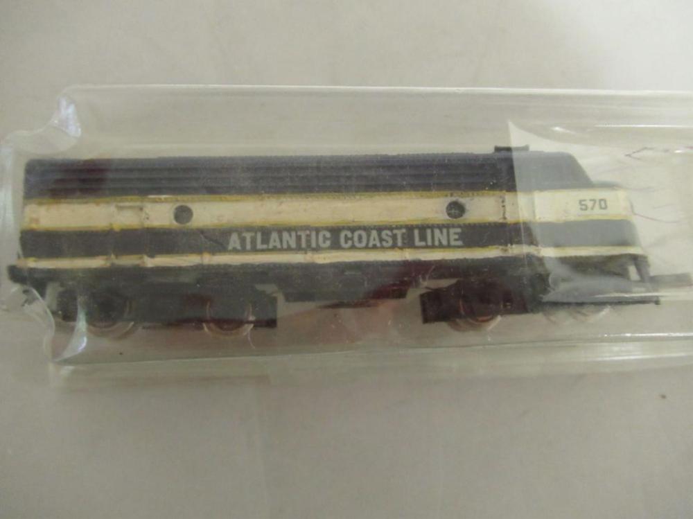 TRIX Atlantic Coast Line N Scale Engine #570