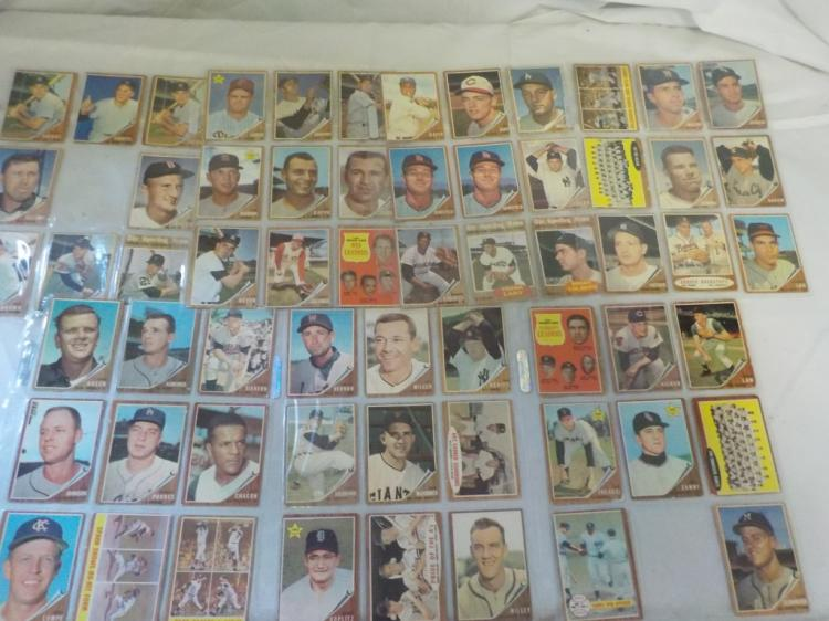 About 60 1962 TOPPS Baseball Cards
