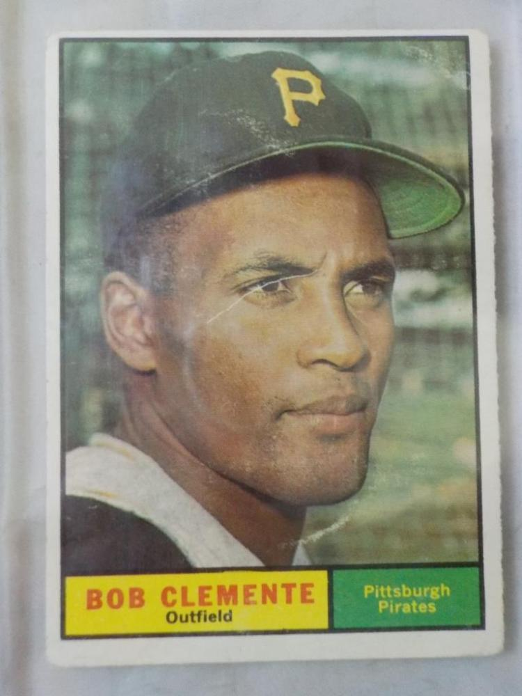 1961 TOPPS Bob Clemente Baseball Card #388