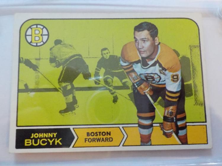 1968-69 TOPPS Hockey Johnny Bucyk #5 Card EXM