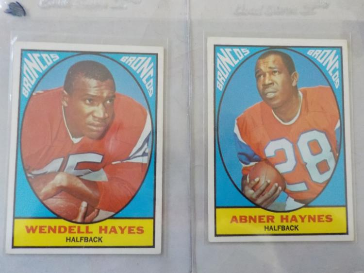 2 1967 TOPPS Football Denver Broncos Stars NM+