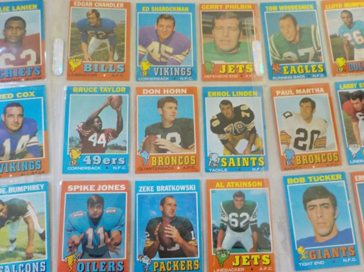 36 1971 TOPPS Football Cards with stars