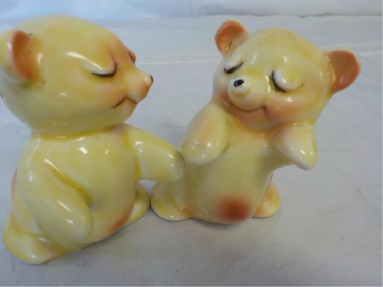 39 bear hug salt and pepper shakers yellow - Salt and pepper hug ...
