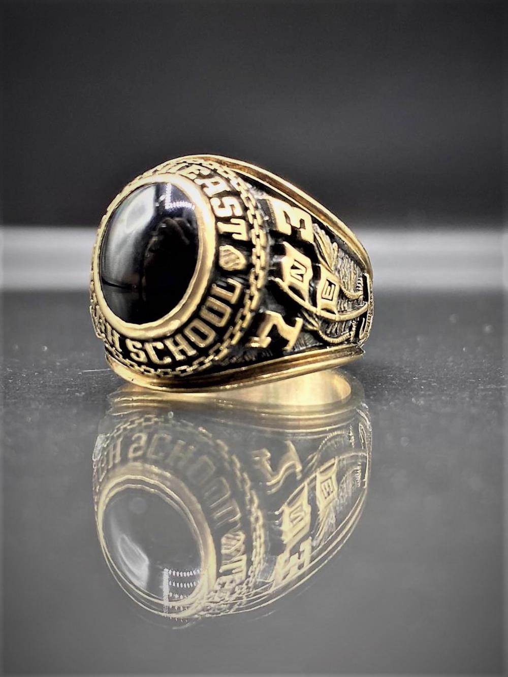10K Gold/Obsidian 1973 Class Ring