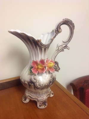 Genuine Capodimonte Vase Centerpiece