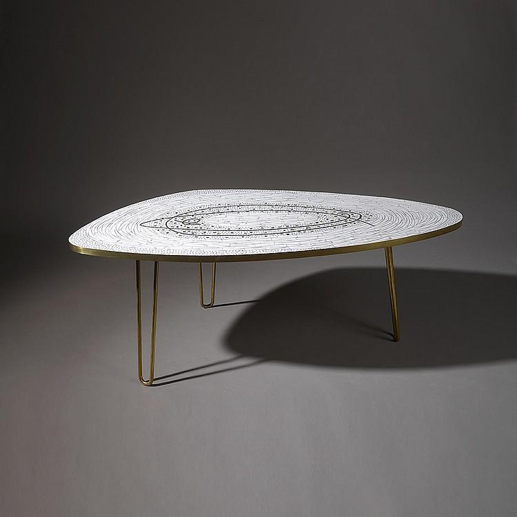 table de salon ovale ann e 70. Black Bedroom Furniture Sets. Home Design Ideas