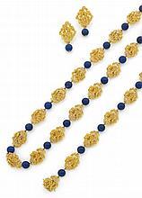 Parure en fleurs d'or jaune cordé et de perles de