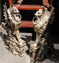 Paire de chenets figurant deux aigles