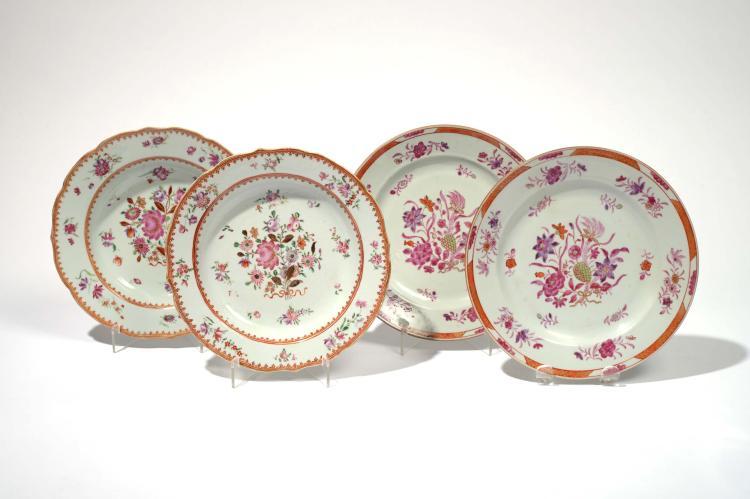 chine xviii me si cle deux assiettes en porcelaine d cor d. Black Bedroom Furniture Sets. Home Design Ideas