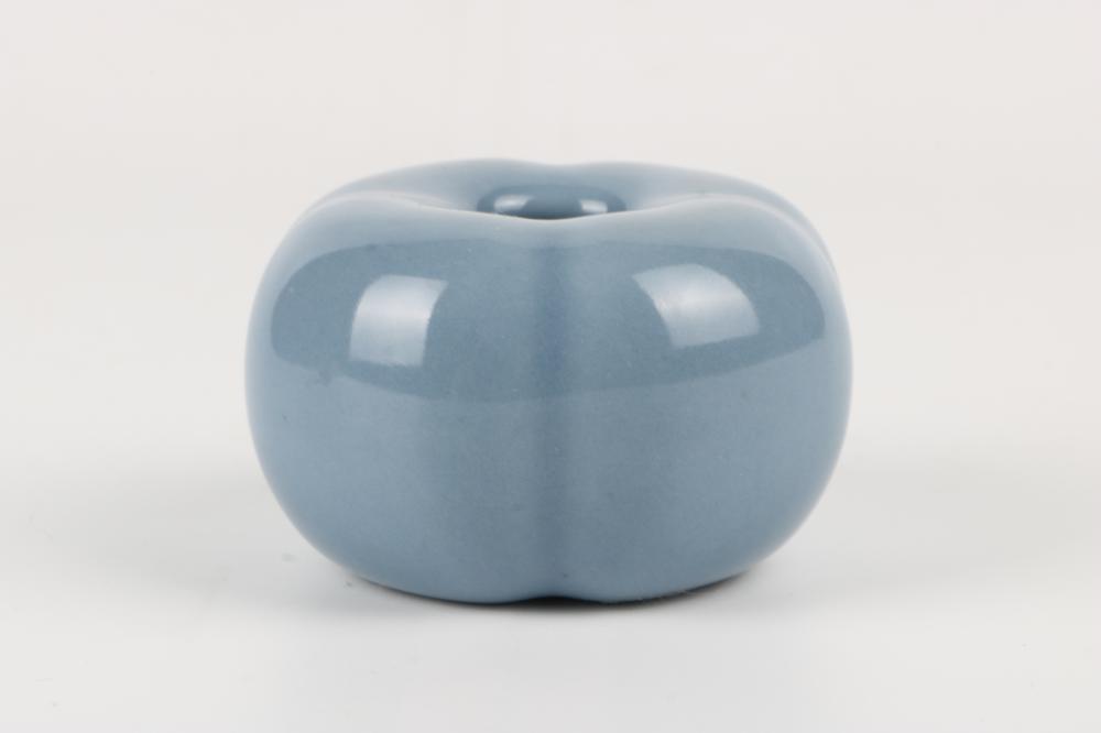 Blue glaze water jar
