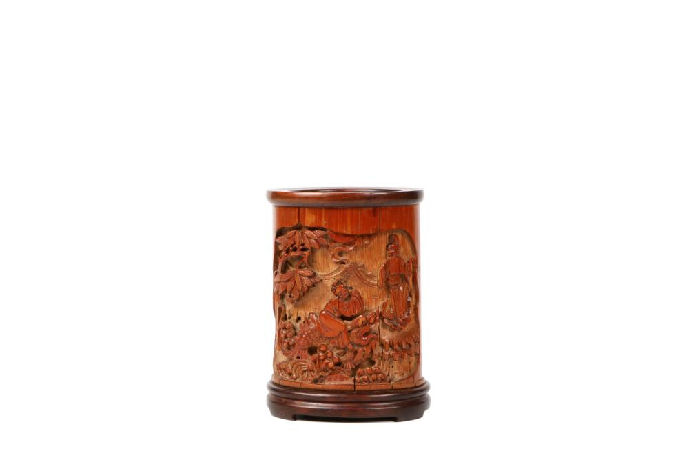 Qing Dynasty Bamboo carving pen holder