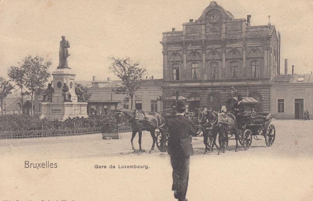BRUXELLES. Environ 440 cartes postales la série N° 1 éd