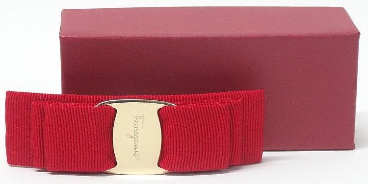 1 barrette cheveux salvatore ferragamo rouges avec boite d. Black Bedroom Furniture Sets. Home Design Ideas