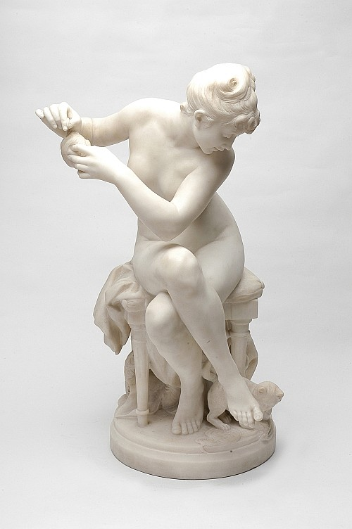 Benoit Rougelet (1834 - 1894). Esc. francesa. Mujer con gato.  Talla directa en alabastro. Firmado. 68 cm de altura.