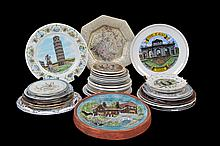 Lote de platos decorativos. Orígen alemán, chino, entre otros. En porcelana, cerámica y metal. Diferentes diseños. Piezas: 35