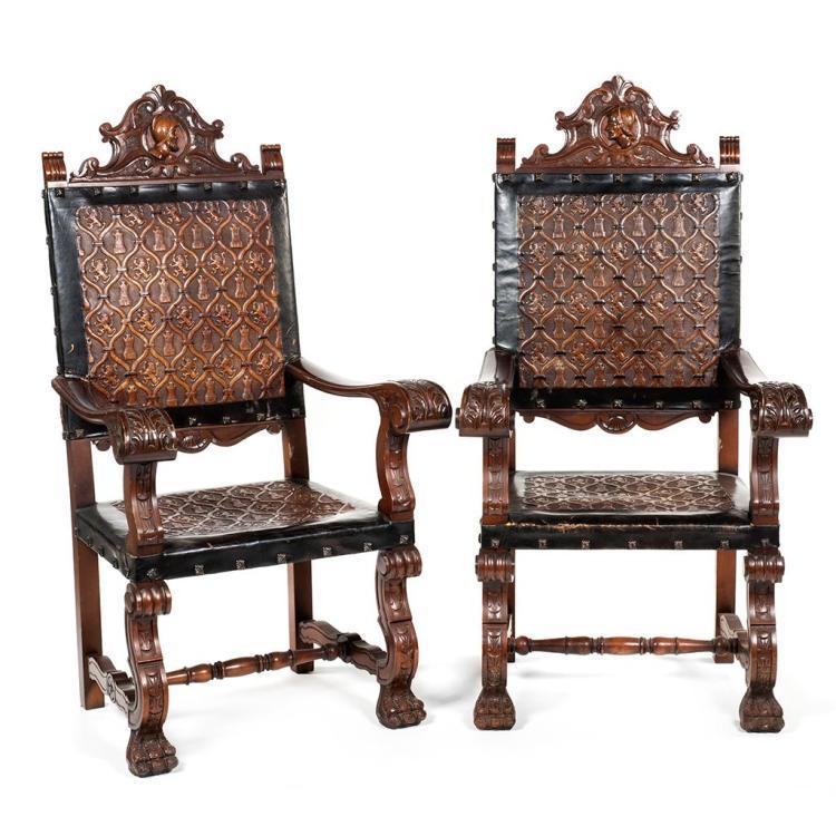 Par de sillones francia siglo xx elaborados en madera de for Sillones de madera