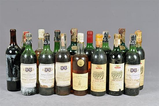 Lote de vinos Marcas: Saint Emilion, Mouton Cadet, Quinta de Agueiria, Bordeaux Superieur, Sauternes y Chateau Gruaud. 16 piezas.
