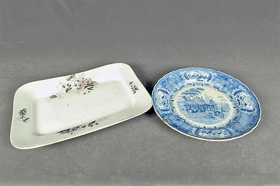 Platones. Origen inglés. En cerámica policromada, acabado brillante. Diseño circular y rectangular. Con escena de viaje y florales. 2p.