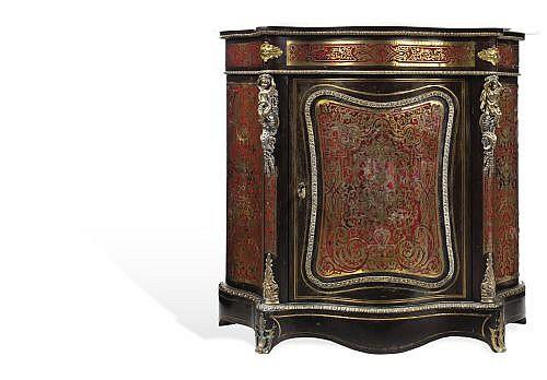 CÓMODA FRANCIA, CA. 1900. Estilo André-Charles Boulle (1642-1732). Madera, metal dorado y mármol blanco. 108 x 122 x 44.5 cm