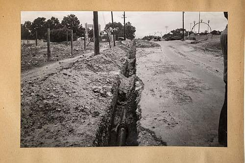 Aguirre, Ing. Obras de la ciudad de México. 1938. Fotografías, 16 x 11 cm. Aguas y Saneamiento y obras en varias colonias. Piezas: 171.