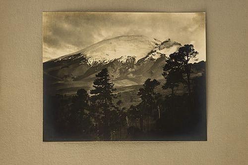 Brehme, Hugo / Anónimo. Ixtaccihuatl (2) / El Ajusco. Fotografías, 20 x 30; 27.5 x 35 y 19 x 24 cm. Piezas: 3.