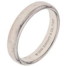 TIFFANY & CO. platinum ring.