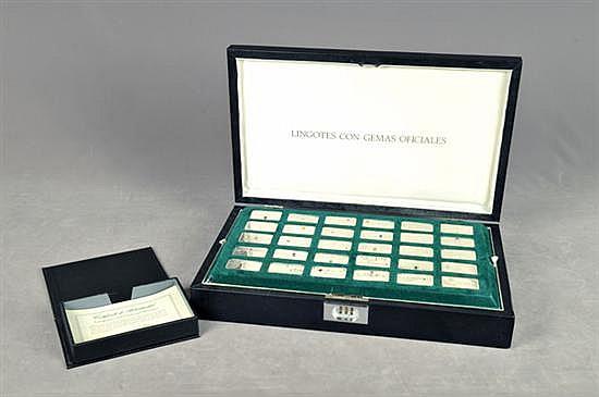 Colección de lingotes con gemas oficiales. Editada por Franklin Mint de México. En plata Sterling; con incrustaciones de gemas. 30 pz.