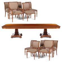 Comedor. Siglo XX. Estilo inglés. Elaborado en madera tallada. Consta de: Mesa, 10 sillas y 2 sillones. Piezas: 13