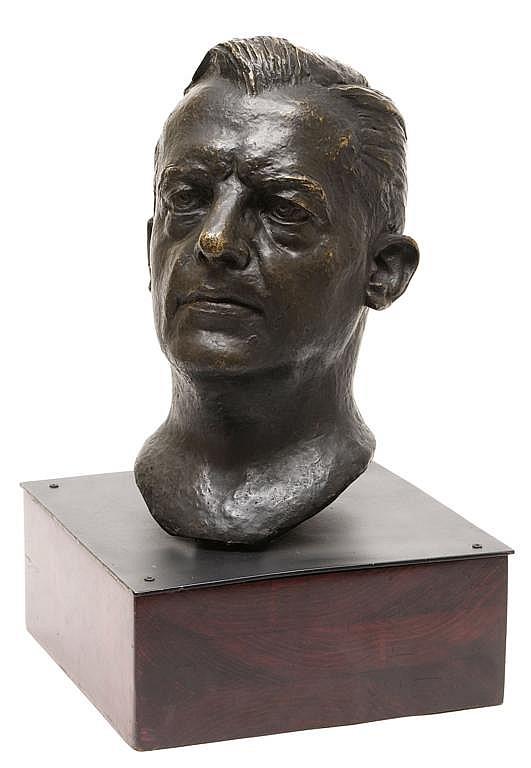 IGNACIO ASÚNSOLO, Busto masculino, Firmada. Escultura en bronce, 37 cm de altura x 36.5 x 22 cm