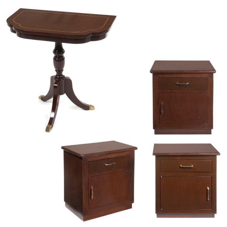 Lote de muebles siglo xx elaborados en madera consta de for Lote de muebles