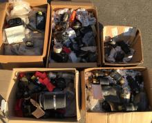 INSTRUMENTS: A large collection of instruments (mainly US) and oil pressure transmitters together with a group of gyro metres, 5 boxes.