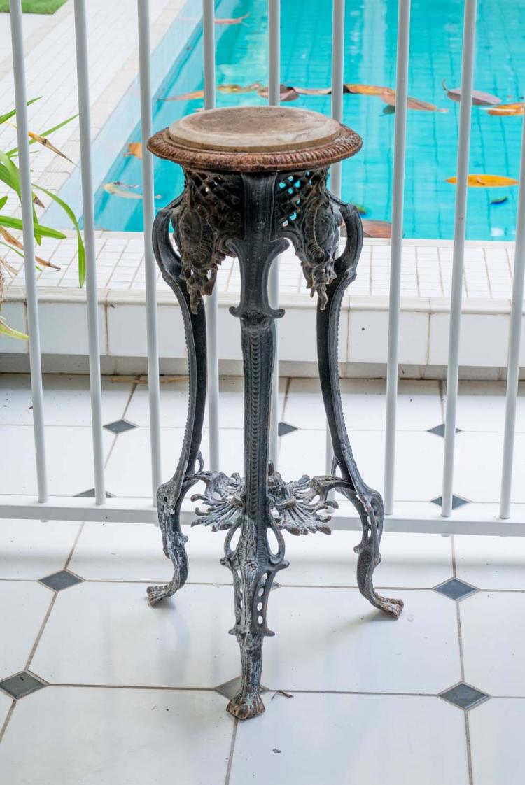 A Pair Of Cast Iron Circular Jardini Re Stands Early 20th