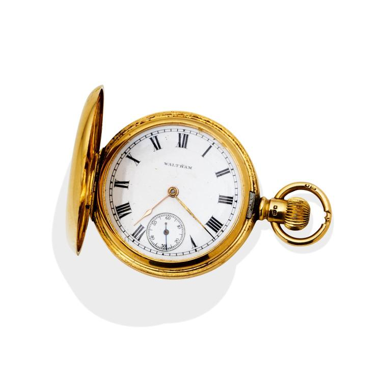 A Lady 39 S Gold Hunting Cased Pocket Watch Waltham 34mm Cro