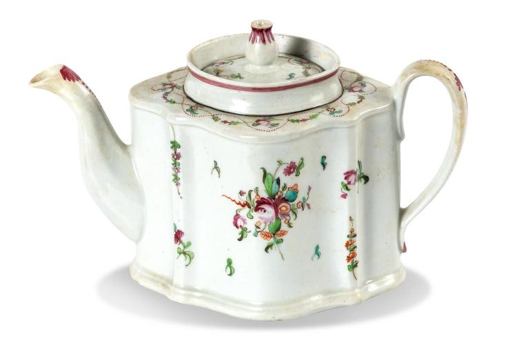 A New Hall teapot with knitting pattern, Pattern 241, English, circa 1770