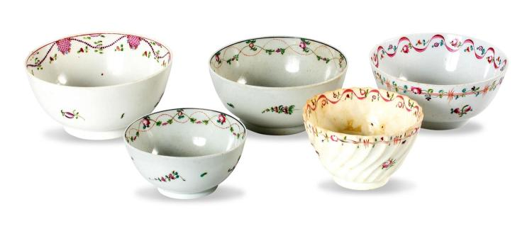 A collection of 5 Newhall slop bowls, English late 18th century