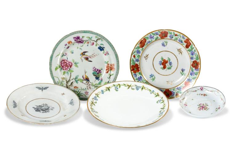 A collection of 5 porcelain plates, including Flight and Barrr Worcester, Coalport, English 18th century