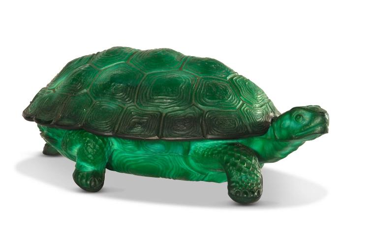 A Curt Schlevogt Bohemian Malachite glass turtle jewellery box.Czech 20th century