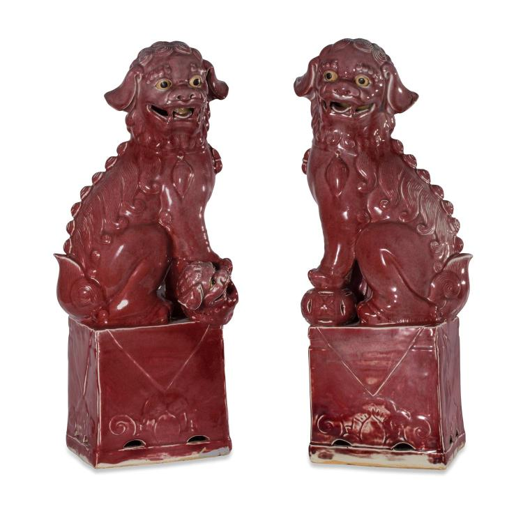 A pair of Chinese dogs of foe20th century69 cm high