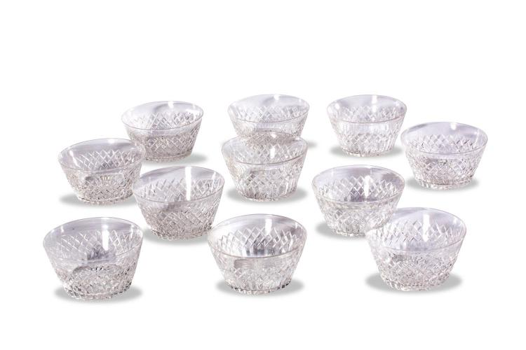A set of 11 cut crystal finger bowlsEnglish, 20th century