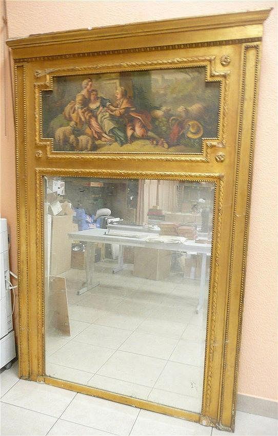 miroir trumeau en bois dor surmont d 39 une huile sur toile. Black Bedroom Furniture Sets. Home Design Ideas