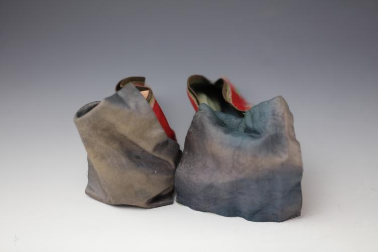 an overview of chinese footbinding Old chinese society, foot binding was the prerequisite to find a wealthy  in the  introduction of the modern china mentioned above, a lot of young people.