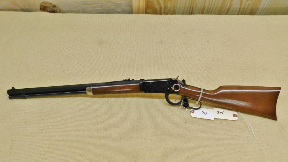 2 Gun set Winchester Buffalo Bill Consecutive SN numbers