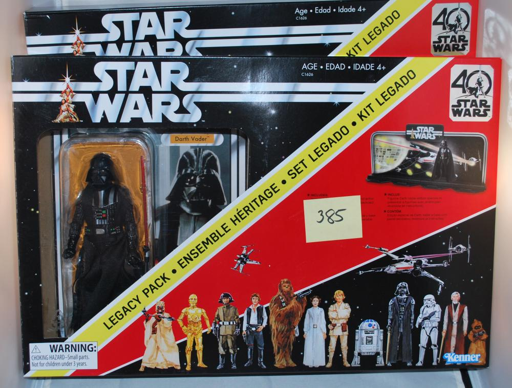 Star Wars 40th Anniversary Darth Vader Deluxe Set of (2)