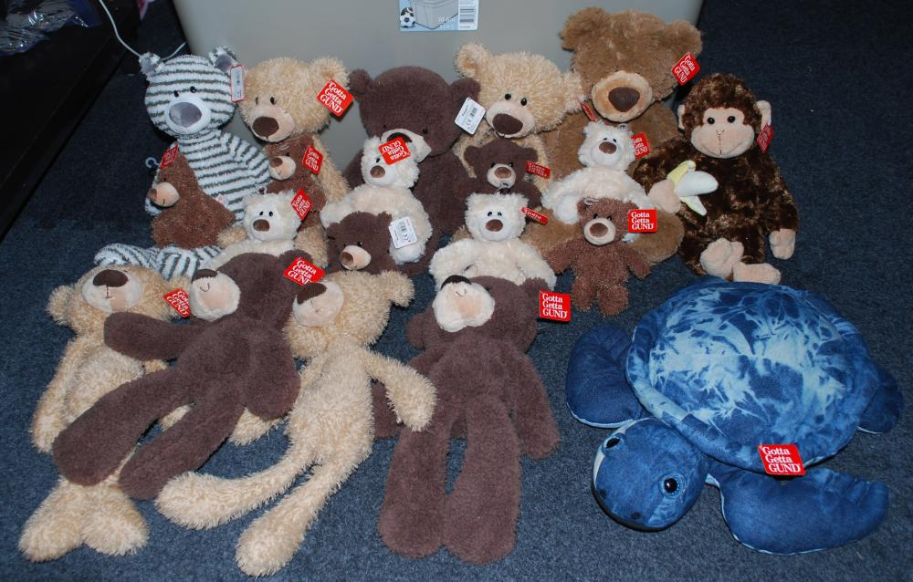 HUGE Lot of Gund Plush Pals