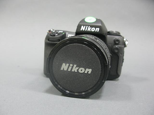 Nikon F100 auto focus film camera body with Nikon